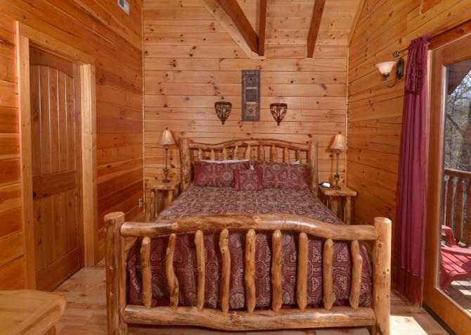 Pigeon Forge Cabin - Smoky Mountain Splash - Bedroom