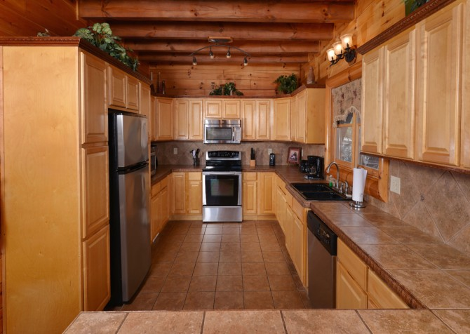 Pigeon Forge Cabin - Smoky Mountain Splash - Kitchen