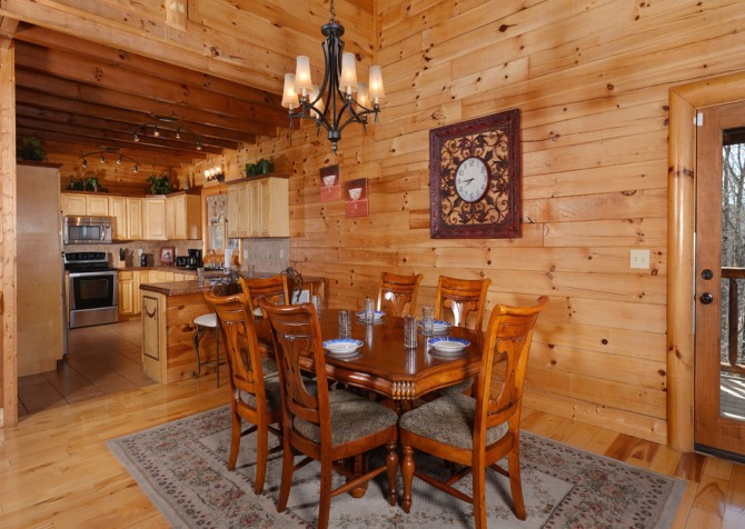 Pigeon Forge Cabin - Smoky Mountain Splash - Dining Room