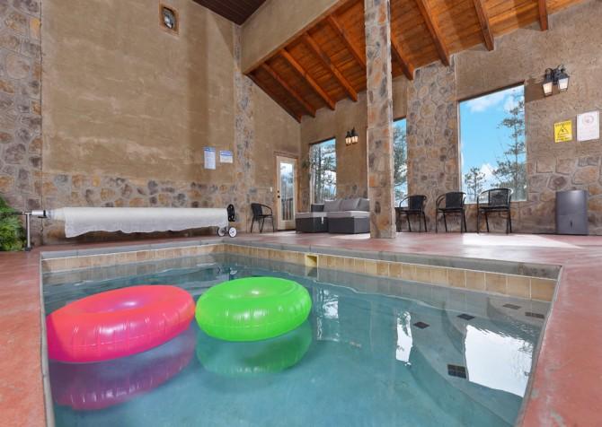 Pigeon Forge Cabin - Smoky Mountain Splash - Indoor Pool
