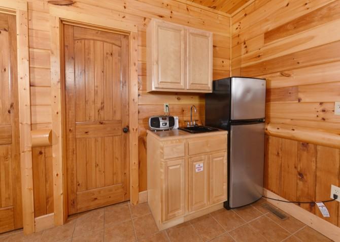 Pigeon Forge Cabin - Smoky Mountain Splash - Kitchenette