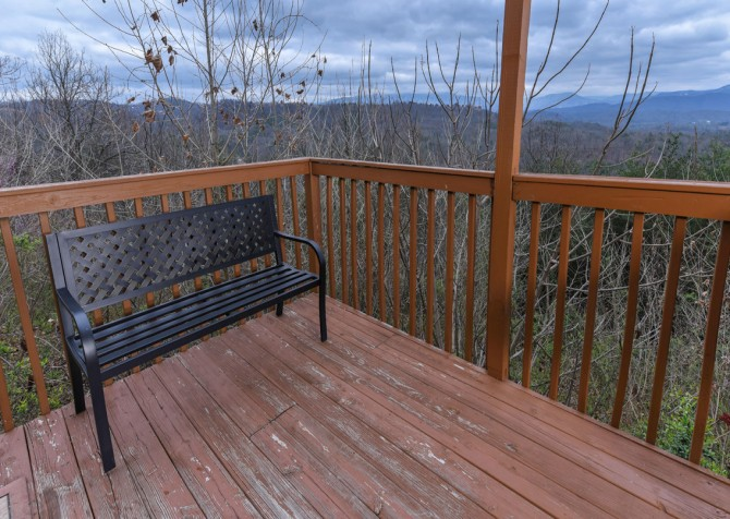 Pigeon Forge - Smoky View Straight Up - Deck Seating/View
