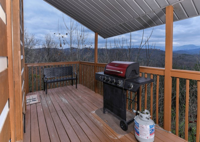 Pigeon Forge - Smoky View Straight Up - Deck View/Grill