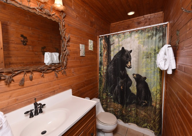 Pigeon Forge - Smoky View Top Shelf - Bathroom One
