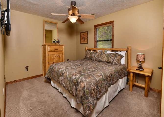 Pigeon Forge - Smoky View Top Shelf - Bedroom Two
