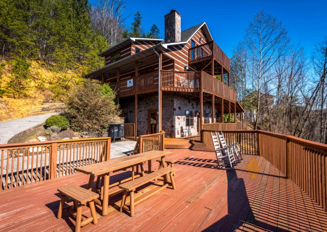 Pigeon Forge - Smoky View Top Shelf - Exterior Deck & Dining