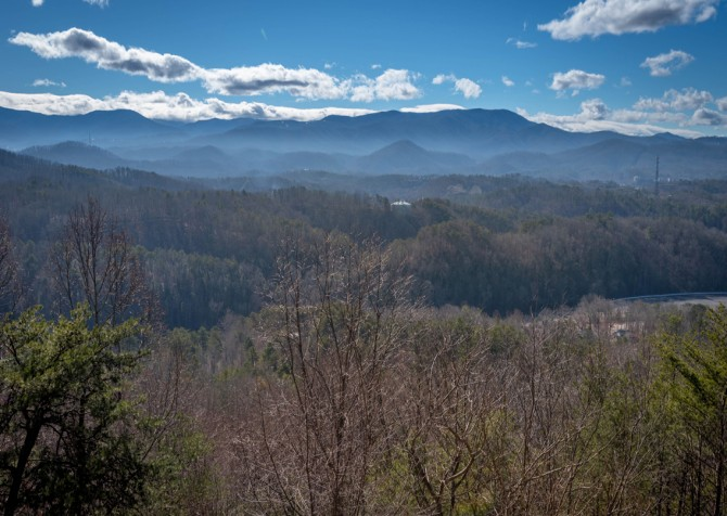 Pigeon Forge - Smoky View Top Shelf - View