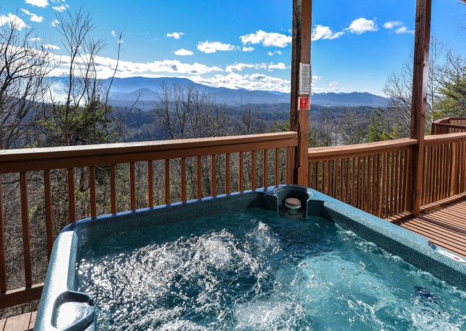 Pigeon Forge - Smoky View Top Shelf - Hot Tub & View
