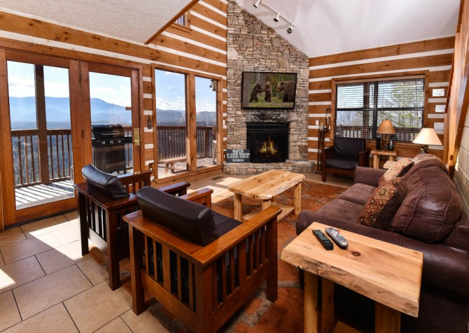 Pigeon Forge - Smoky View Top Shelf - Living & View