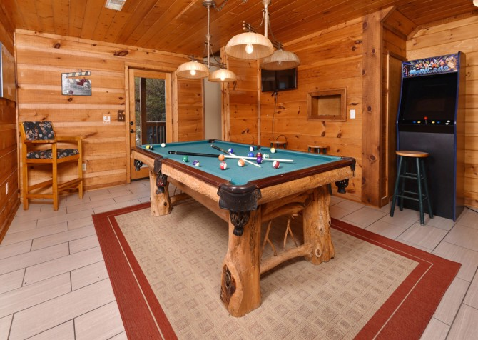 Pigeon Forge - Smoky View Top Shelf - Gameroom Pool