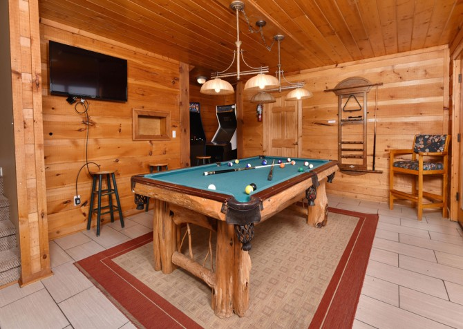 Pigeon Forge - Smoky View Top Shelf - Gameroom TV