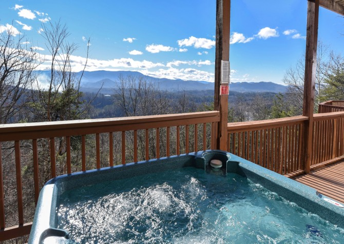 Pigeon Forge - Smoky View Top Shelf - Hot Tub View