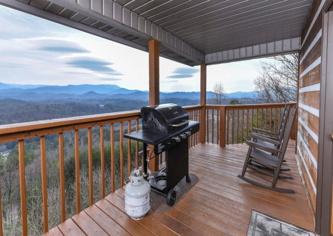 Pigeon Forge - Smoky View with a Twist - Grill