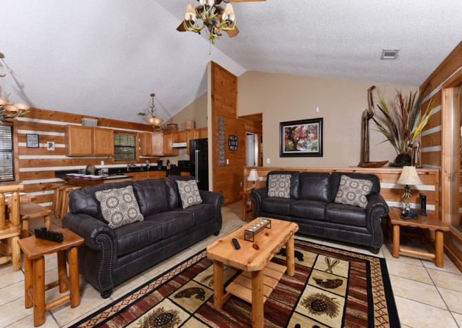 Pigeon Forge - Smoky View with a Twist - Living Room
