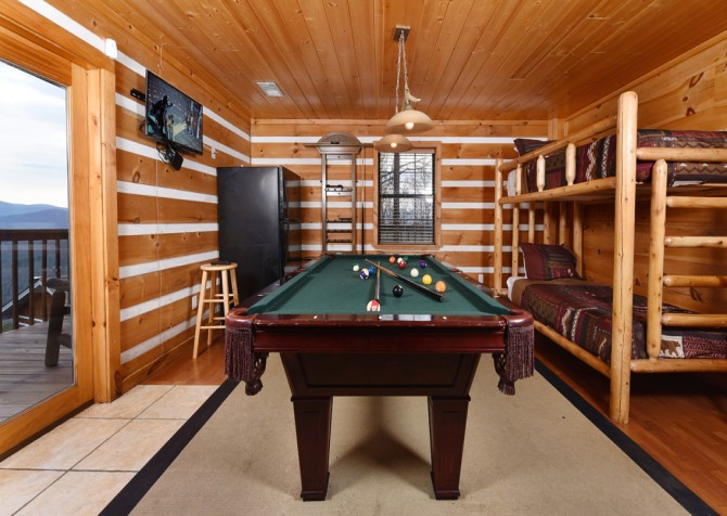 Pigeon Forge - Smoky View with a Twist - Rec Room
