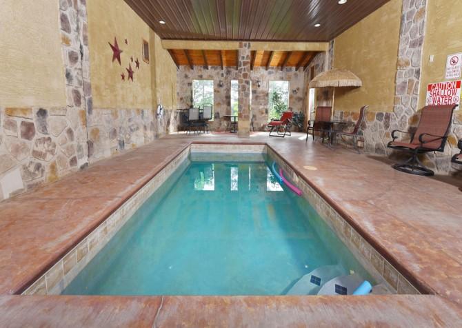 Pigeon Forge Cabin - Splash 'N Around - Pool Room