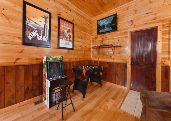 Pigeon Forge Cabin - Splash 'N Around - Rec Room
