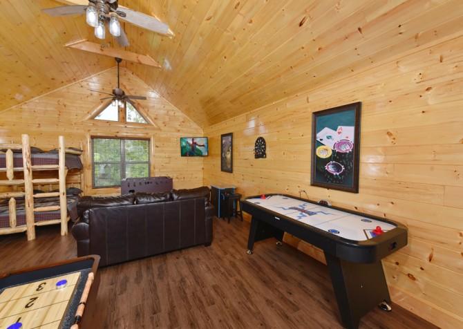 Pigeon Forge Cabin - Splash N' More - Rec Room