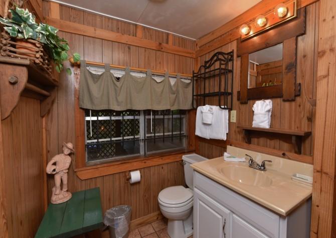 Pigeon Forge - Stonecreek Cottage - Bathroom