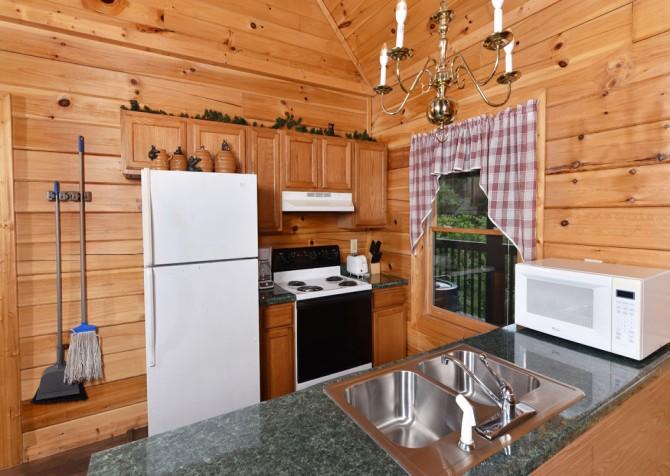 Pigeon Forge - Tennessee Memories - Kitchen
