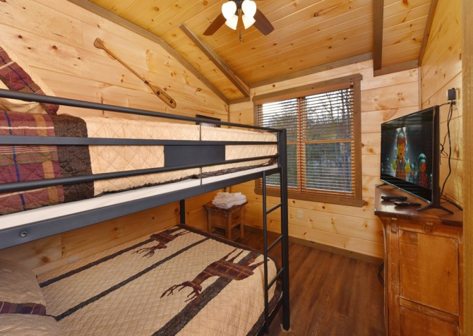 Pigeon Forge - The Appalachian - Bedroom