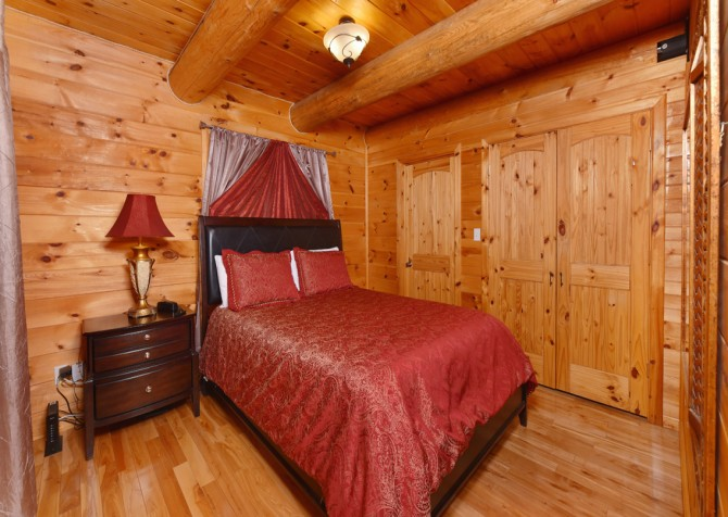Pigeon Forge - Timber Toy - Bedroom