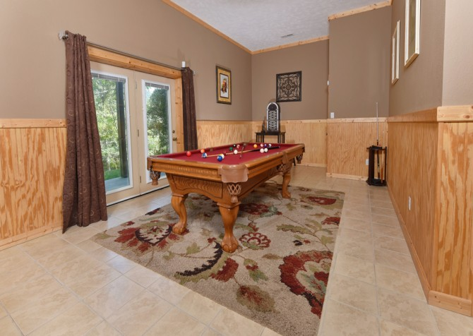 Pigeon Forge - Timber Toy - Rec Room