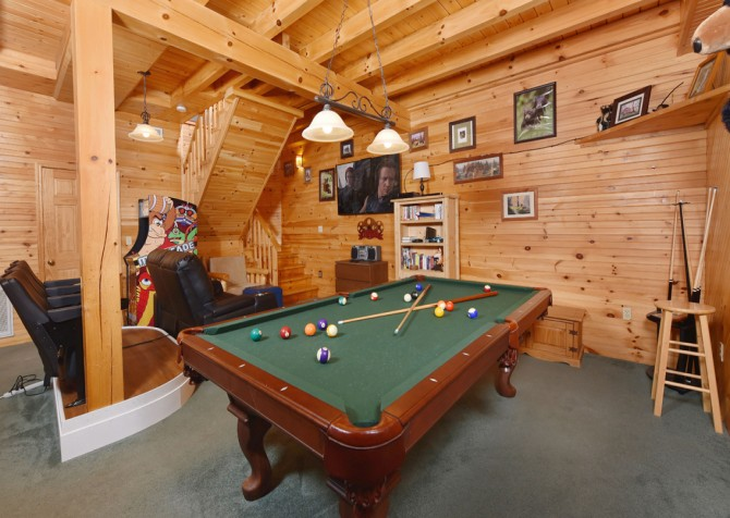 Pigeon Forge - Wholly Smokies - Rec Room