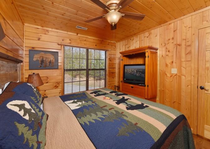 Pigeon Forge Cabin - Wild Bear Lodge – Bedroom