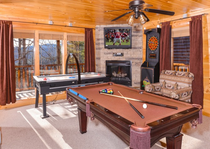 pigeon forge cabin – casa di amore – pool table