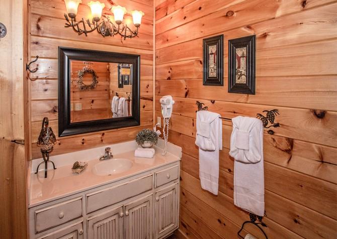 Pigeon Forge - Cedar Forest - Bathroom
