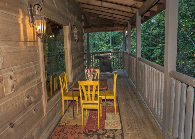Pigeon Forge - Cedar Forest - Deck Dining