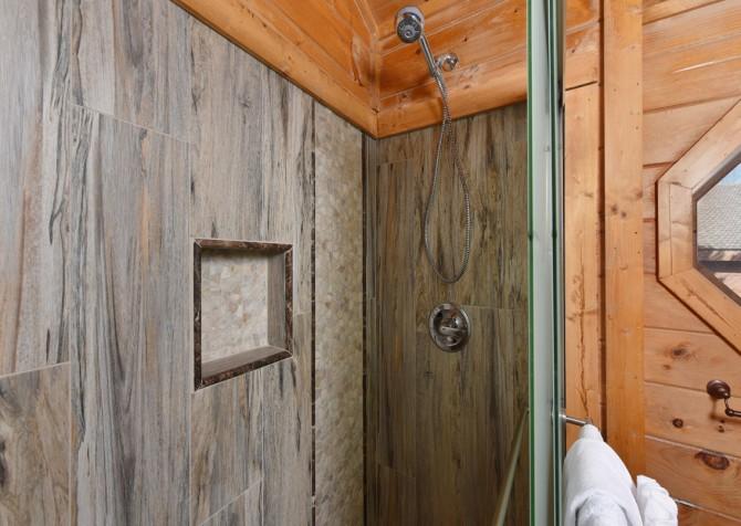 Pigeon Forge Cabin - Elk Crossing - Bathroom