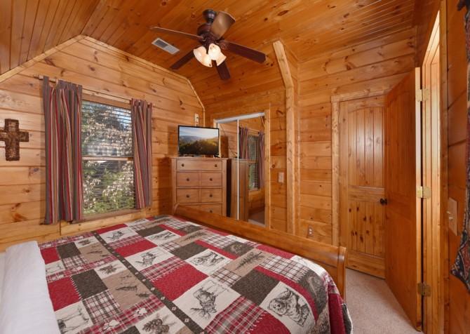 Pigeon Forge Cabin - Elk Crossing - Bedroom