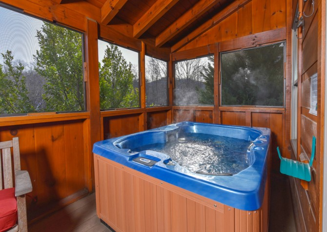 Pigeon Forge Cabin - Elk Crossing - Hot Tub
