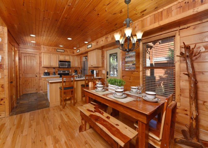 Pigeon Forge Cabin - Elk Crossing - Kitchen