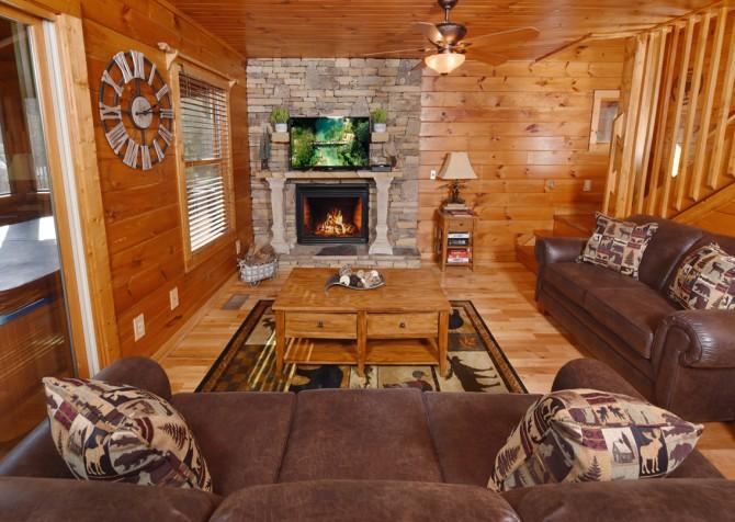 Pigeon Forge Cabin - Elk Crossing - Living Room