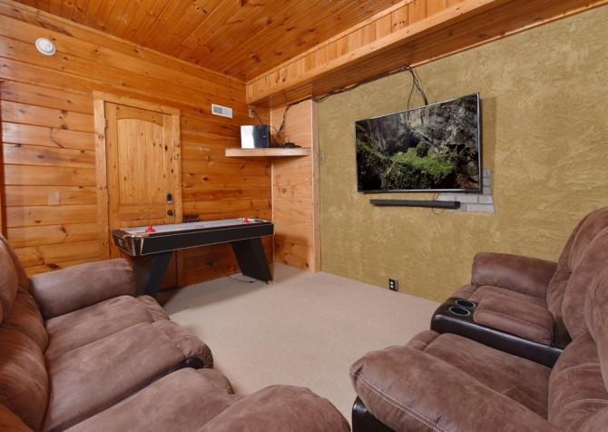 Pigeon Forge Cabin - Elk Crossing - Rec Room