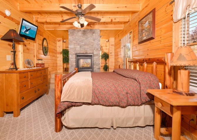 Pigeon Forge - Get Outta Dodge - Bedroom Two
