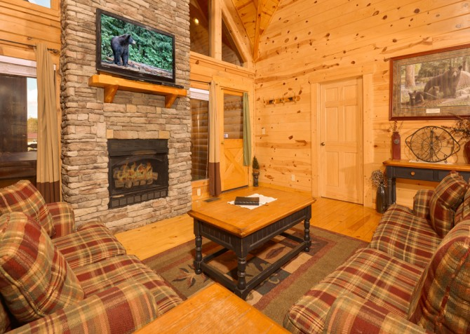Pigeon Forge - Get Outta Dodge - Living Room