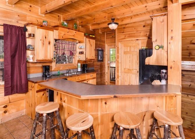 Pigeon Forge Cabin- It's Good N Da Woods Lodge – Kitchen