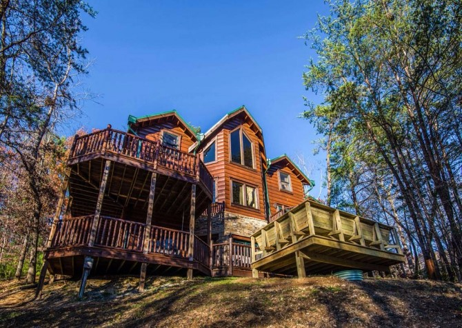 Pigeon Forge Cabin- It's Good N Da Woods Lodge – Exterior
