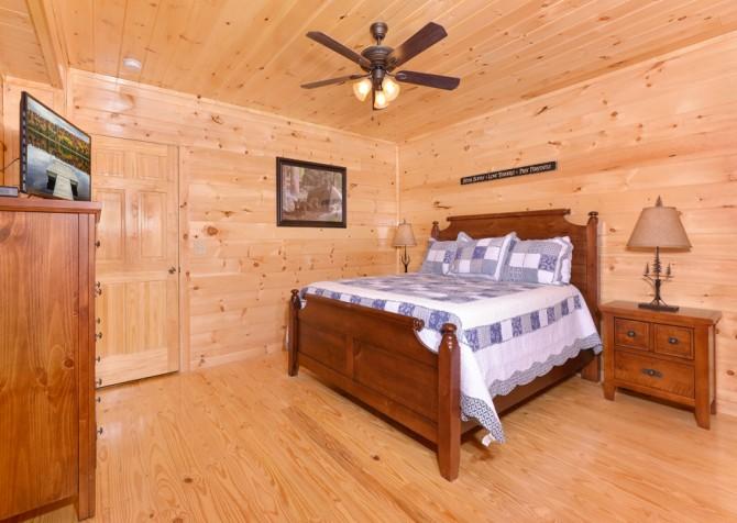 Pigeon Forge - Highland Plunge - Bedroom Three