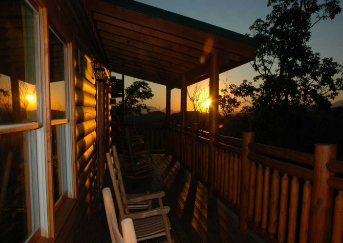 Pigeon Forge - Highland Plunge - Deck Sunset View