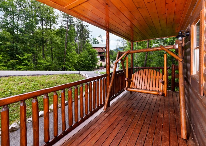 Pigeon Forge Cabin - Hillsong Heaven - Deck Swing Bench