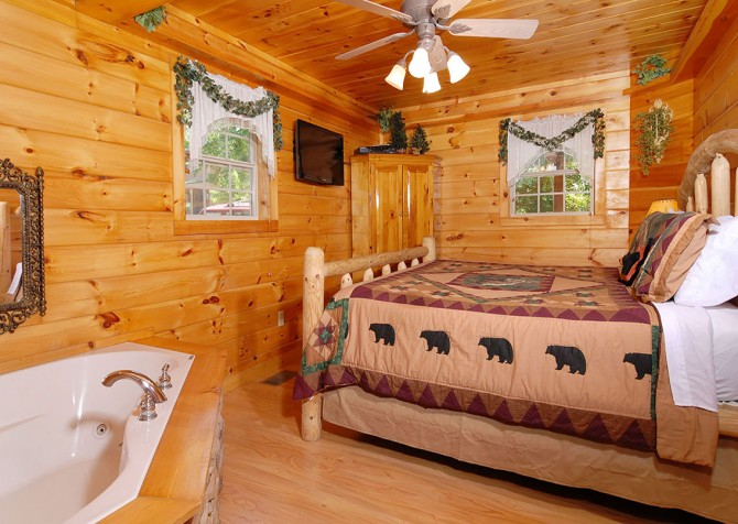 Pigeon Forge Cabin - Hooked On Love - Bedroom and Bath