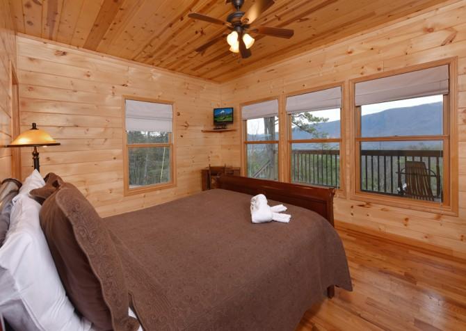Pigeon Forge Cabin- Jackson's Cabin - Bedroom