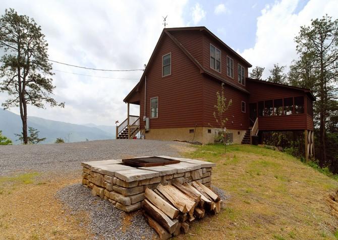 Pigeon Forge Cabin- Jackson's Cabin - Fire Pit
