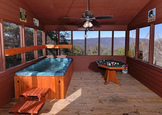 Pigeon Forge Cabin- Jackson's Cabin - Outdoor Hot Tub