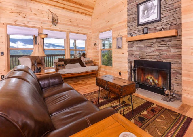 Pigeon Forge Cabin- Jackson's Cabin - Living Room Fire Place